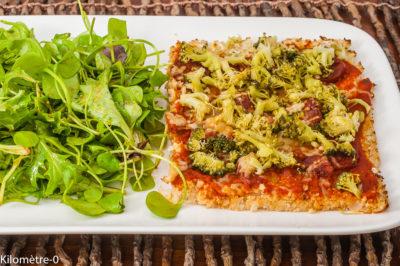 Photo de recette de piza de chou fleur, brocolis, chou, chorizo, légumes, bio, anti inflammatoire, Kilomètre-0, blog de cuisine réalisée à partir de produits de saison et issus de circuits courts