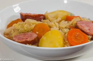 Photo de potée aux choux, soupe aux choux facile, Morteau, de recette de Kilomètre-0, blog de cuisine réalisée à partir de produits de saison et issus de circuits courts