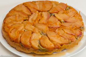 Photo de recette de tarte tatin, facile, bio, pomme, kiwis, rapide, légère, maison, fruits, dessert, Kilomètre-0, blog de cuisine réalisée à partir de produits de saison et issus de circuits courts