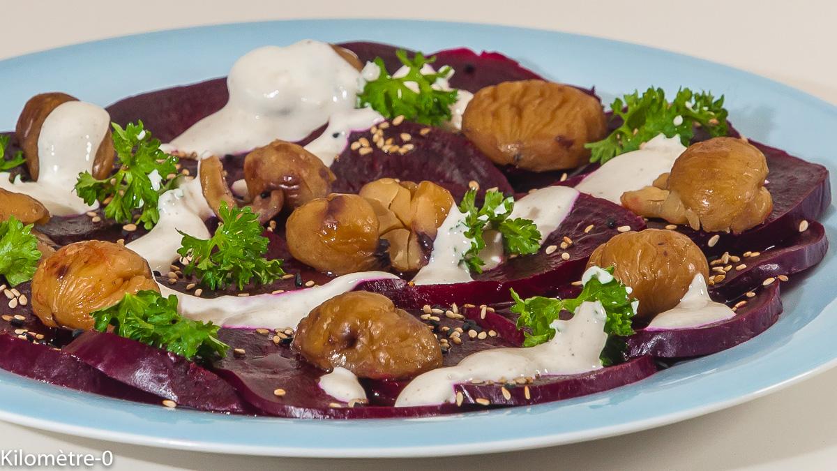 Photo de recette perse, iranienne, cuisine du monde, salade, betterave, châtaignes, yaourt, tahin de de Kilomètre-0, blog de cuisine réalisée à partir de produits de saison et issus de circuits courts