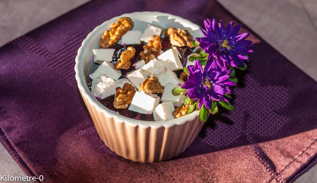 Photo cde recette de Salade de betteraves aux noix et à la fêta, healthy, végétarien, rapide, facile, léger du blog Kilomètre-0, cuisine de aaison