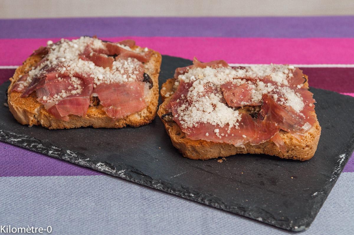 image de tartine cèpes jambon parmesan, recette facile, rapide, automne, champignons, fromage de Kilomètre-0