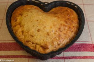 image de recette facile, rapide, économique, légère, bio de Kilomètre-0, gâteau aux noix et au yaourt, énergétique, petit déjeuner, goûter, dessert