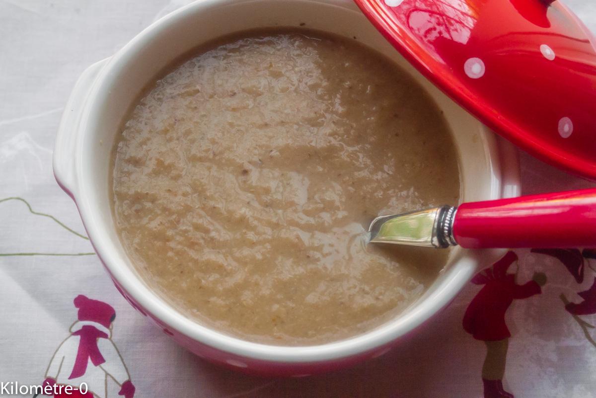 Image de recette de soupe, velouté aux poireaux, champignons, châtaignes, végétarienne, légumes, bio,