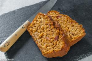 Photo de recette de cake de thon à la tomate Kilomètre-0, blog de cuisine réalisée à partir de produits locaux et issus de circuits courts