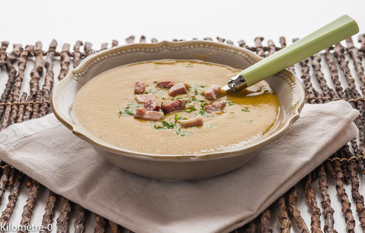 Photo de recette facile de soupe, velouté, potage aux pois cassés, bio de Kilomètre-0, blog de cuisine réalisée à partir de produits locaux et issus de circuits courts