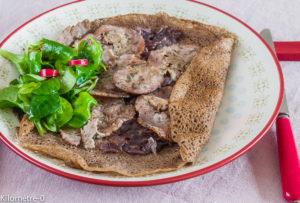 Photo de recette facile de galette andouille oignons de Kilomètre-0, blog de cuisine réalisée à partir de produits locaux et issus de circuits courts