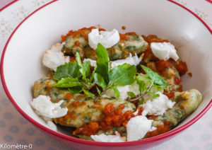 Photo de recette italienne facile  de gnocchiaux épinards, mozzarella  de Kilomètre-0, blog de cuisine réalisée à partir de produits locaux et issus de circuits courts