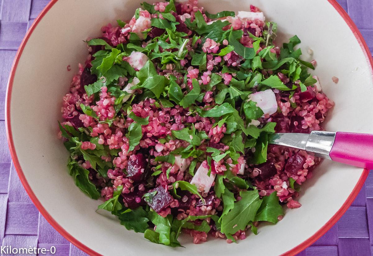 Photo de recette de salade de quinoa, betterave et fêta de Kilomètre-0, blog de cuisine réalisée à partir de produits locaux et issus de circuits courts