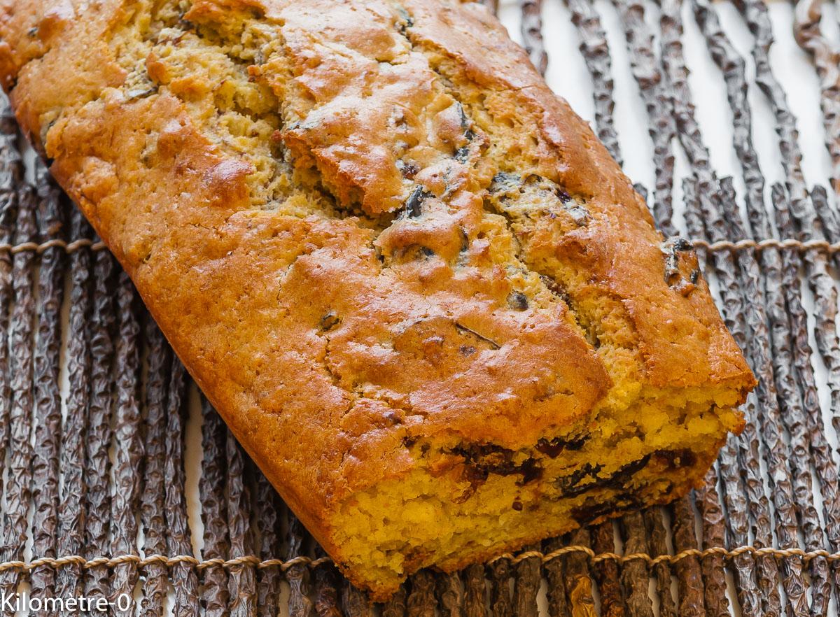 Photo de recette de gâteau du matin aux pruneaux de Kilomètre-0, blog de cuisine réalisée à partir de produits locaux et issus de circuits courts