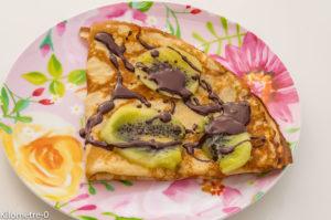 Photo de recette facile, rapide, légère, bio de crêpe chocolat kiwi de Kilomètre-0, blog de cuisine réalisée à partir de produits locaux et issus de circuits courts