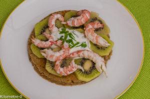 Photo de recette légère, facile, rapide, bio,  de blinis kiwi langoustines de Kilomètre-0, blog de cuisine réalisée à partir de produits locaux et issus de circuits courts