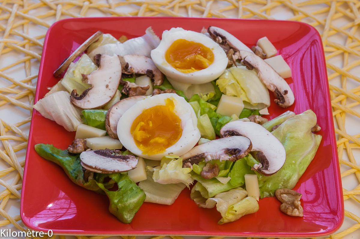 Photo de recette légère, facile, rapide, bio, de salade comté, oeuf, champignon de Kilomètre-0, blog de cuisine réalisée à partir de produits locaux et issus de circuits courts