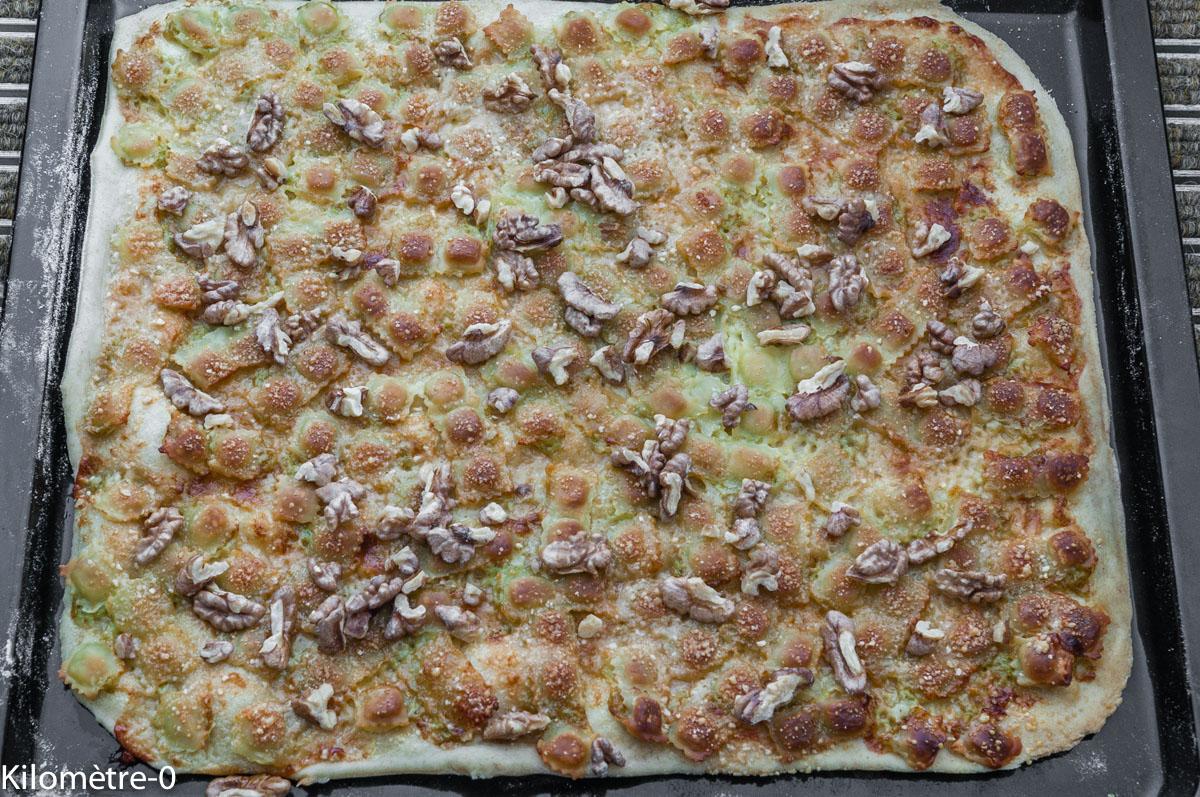 Photo de recette légère, facile, rapide, bio,  de pizza blanche aux ravioles de Kilomètre-0, blog de cuisine réalisée à partir de produits locaux et issus de circuits courts