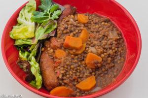 Photo de recette légère, facile, rapide, bio,  de lentilles aux saucisses fumées de Kilomètre-0, blog de cuisine réalisée à partir de produits locaux et issus de circuits courts