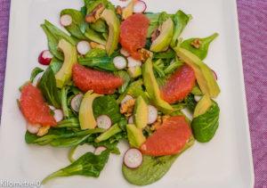Photo de recette facile, rapide, bio, légumes,  de salade pomelo avocat de Kilomètre-0, blog de cuisine réalisée à partir de produits locaux et issus de circuits courts