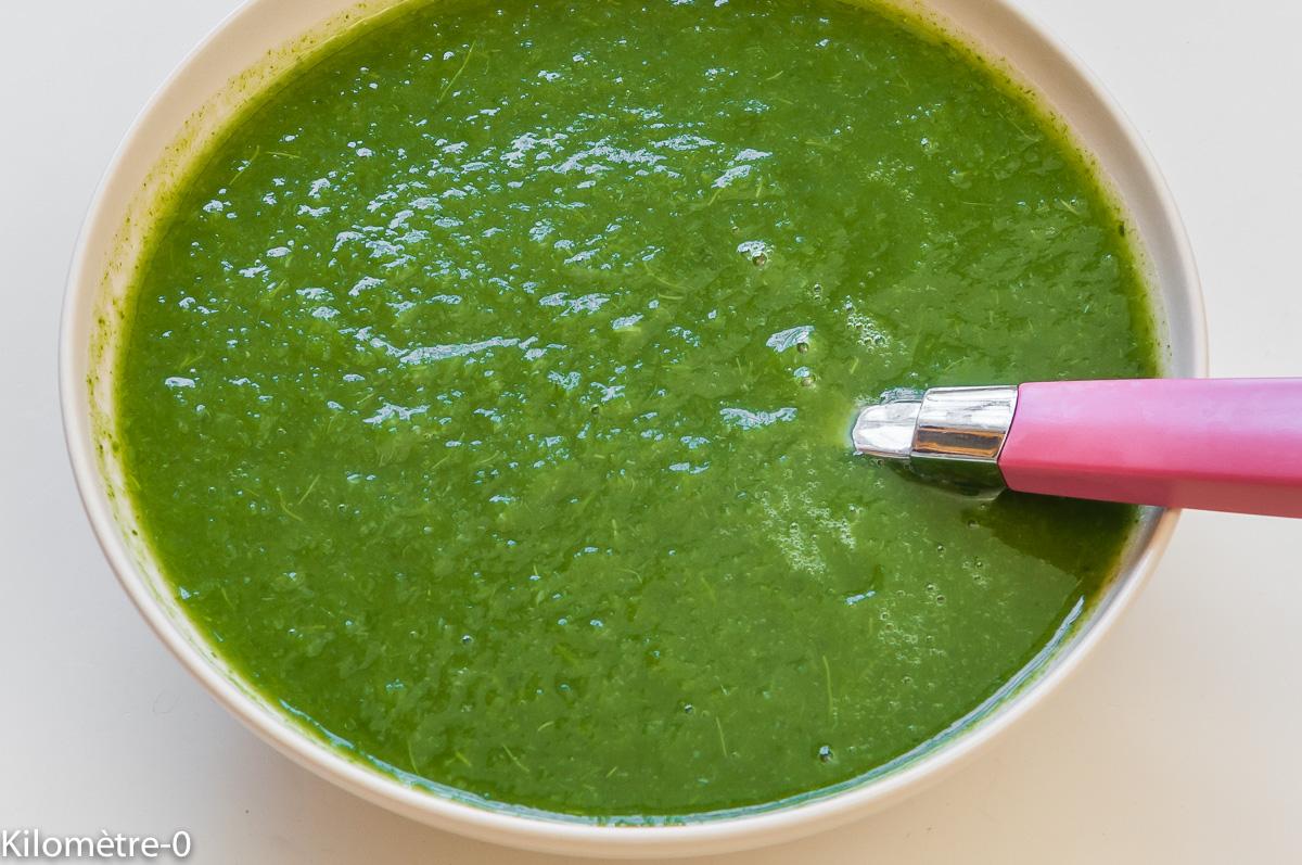 Photo de recette de soupe de navets nouveaux, fanes, bio, léger, facile, rapide  de Kilomètre-0, blog de cuisine réalisée à partir de produits locaux et issus de circuits courts