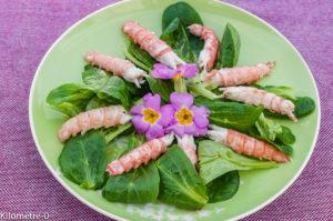 Photo de recette de salade mâche, langoustines, primevères fleur de Kilomètre-0, blog de cuisine réalisée à partir de produits locaux et issus de circuits courts