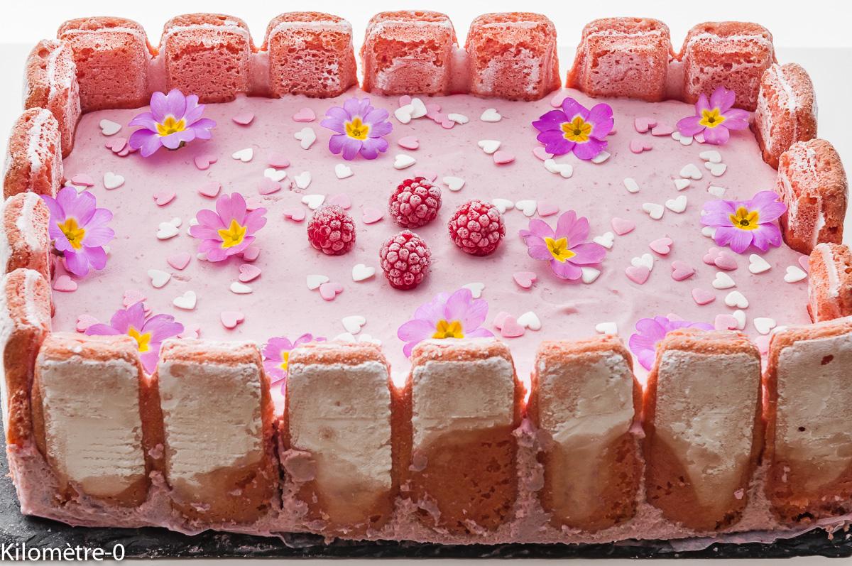 Photo de recette de gâteau mousse framboises de Kilomètre-0, blog de cuisine réalisée à partir de produits locaux et issus de circuits courts