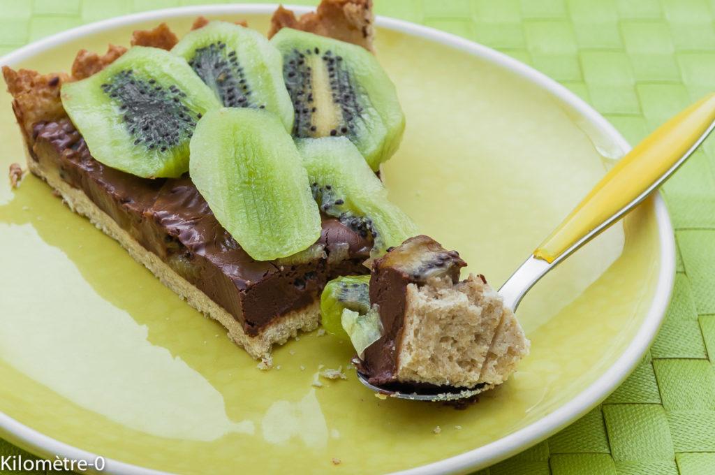 Photo de recette  facile, rapide, légère de tarte kiwis chocolat de Kilomètre-0, blog de cuisine réalisée à partir de produits locaux et issus de circuits courts