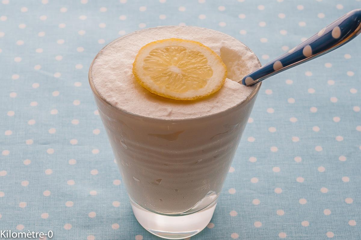 Photo de recette de mousse au citron de  Kilomètre-0, blog de cuisine réalisée à partir de produits locaux et issus de circuits courts