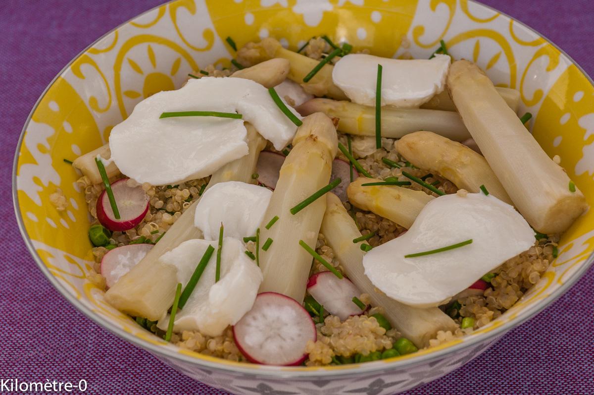 Photo de recette  facile, rapide, légère de salade de quinoa, asperges, radis, mozarella de  Kilomètre-0, blog de cuisine réalisée à partir de produits locaux et issus de circuits courts