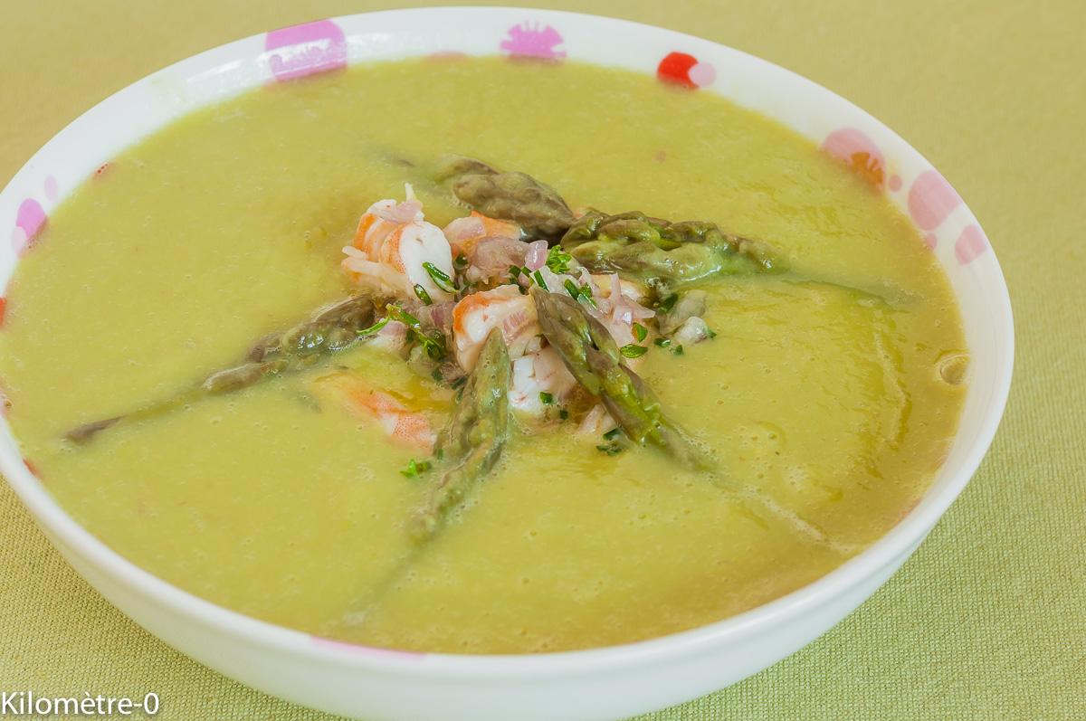Photo de recette de soupe fèves aperges et crevettes de Kilomètre-0, blog de cuisine réalisée à partir de produits locaux et issus de circuits courts