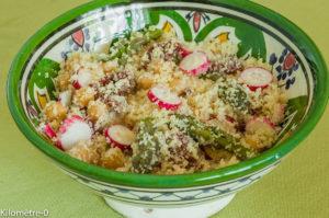 Photo de recette de salade de semoule aux asperges, radis et tomates confites de Kilomètre-0, blog de cuisine réalisée à partir de produits locaux et issus de circuits courts