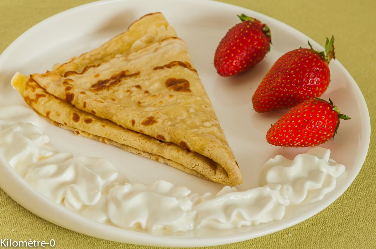 Photo de recette légère, facile, rapide, healthy de crêpes fraises chantilly de Kilomètre-0, blog de cuisine réalisée à partir de produits locaux et issus de circuits courts