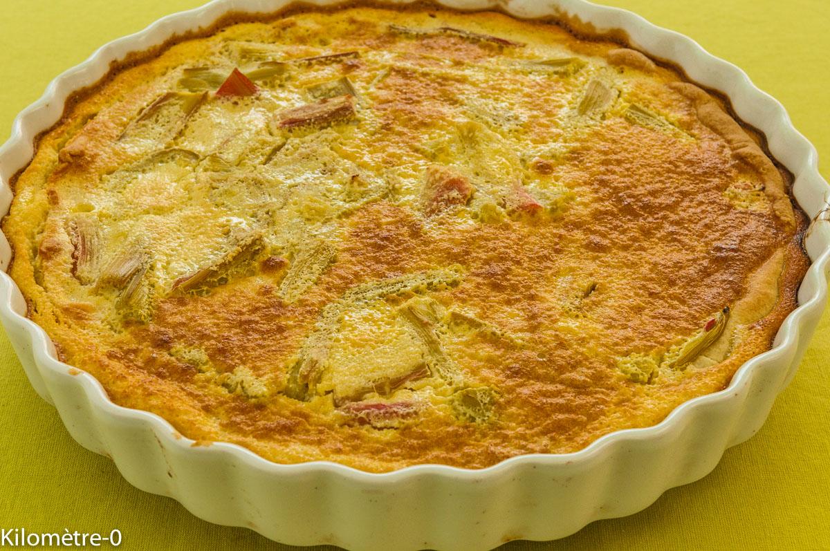 Photo de recette facile, rapide, légère de tarte à la rhubarbe de Kilomètre-0, blog de cuisine réalisée à partir de produits locaux et issus de circuits courts