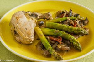 Photo de recette légère, facile, rapide, healthy de suprème de pintade asperges vertes champignons de Kilomètre-0, blog de cuisine réalisée à partir de produits locaux et issus de circuits courts
