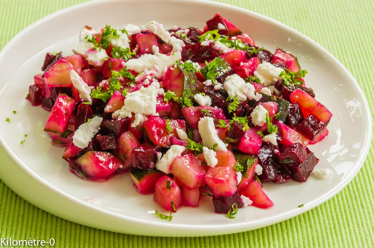 Photo de recette de salade de pomme de terre, courgettes, betteraves et fêta deKilomètre-0, blog de cuisine réalisée à partir de produits locaux et issus de circuits courts
