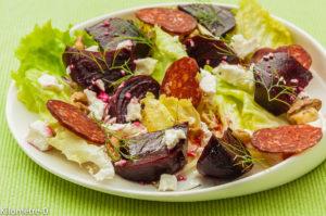 Photo de recette de salade betterave chorizo et fêta de Kilomètre-0, blog de cuisine réalisée à partir de produits locaux et issus de circuits courts