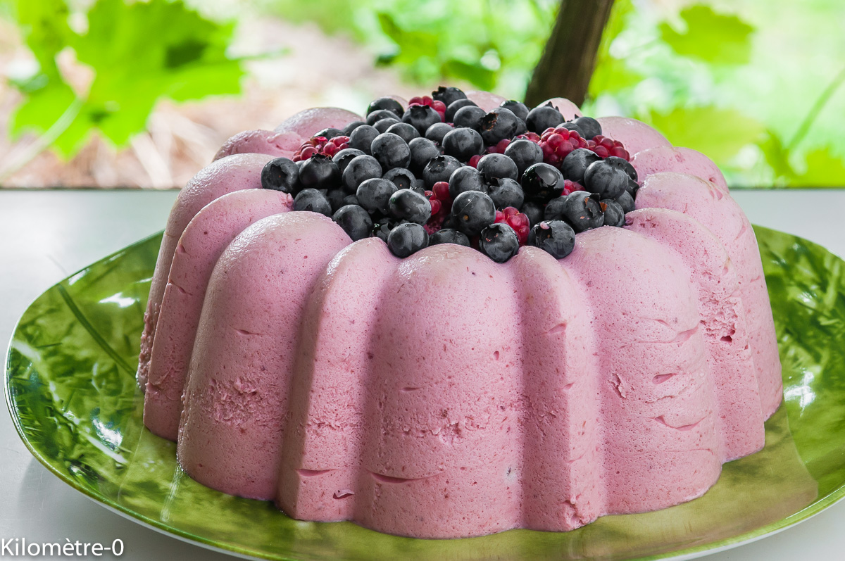 Photo de recette de mousse aux frambises et fruits rouges de Kilomètre-0, blog de cuisine réalisée à partir de produits locaux et issus de circuits courts