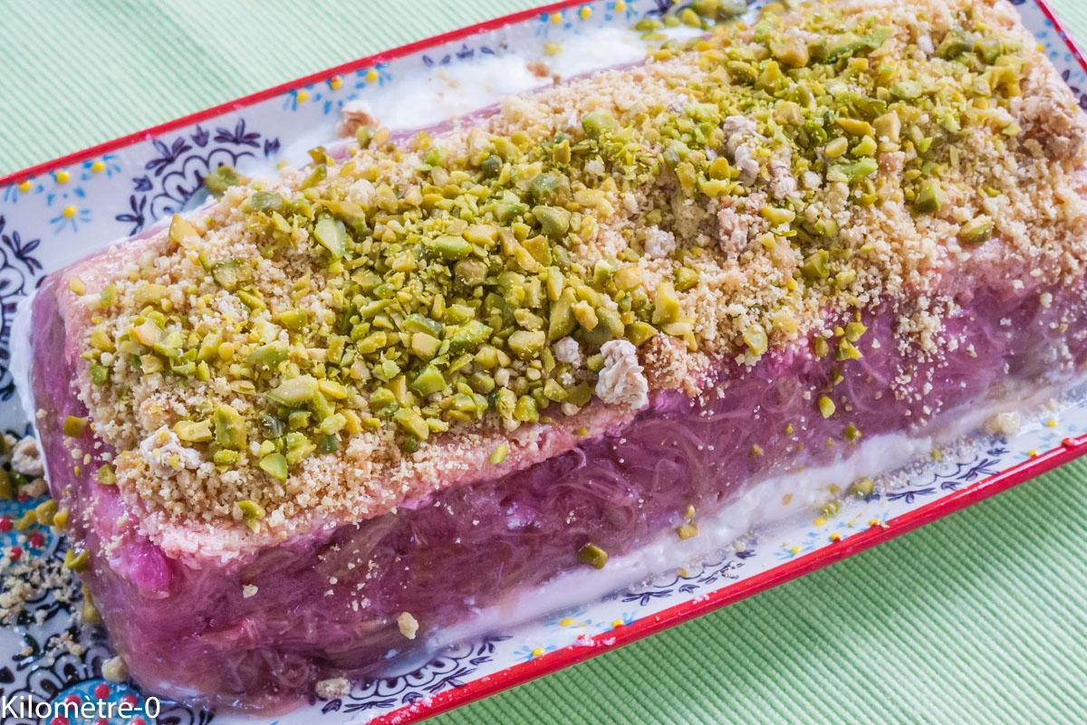 Photo de recette de fondant à la rhubarbe, pistaches et yaourt de Kilomètre-0, blog de cuisine réalisée à partir de produits locaux et issus de circuits courts