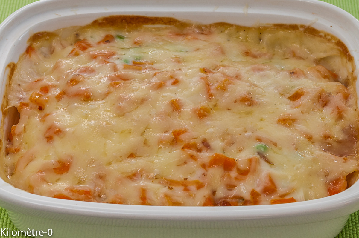 Photo de recette de gratin facile léger, merlu, petits pois, carottes fromage facile de Kilomètre-0, blog de cuisine réalisée à partir de produits locaux et issus de circuits courts
