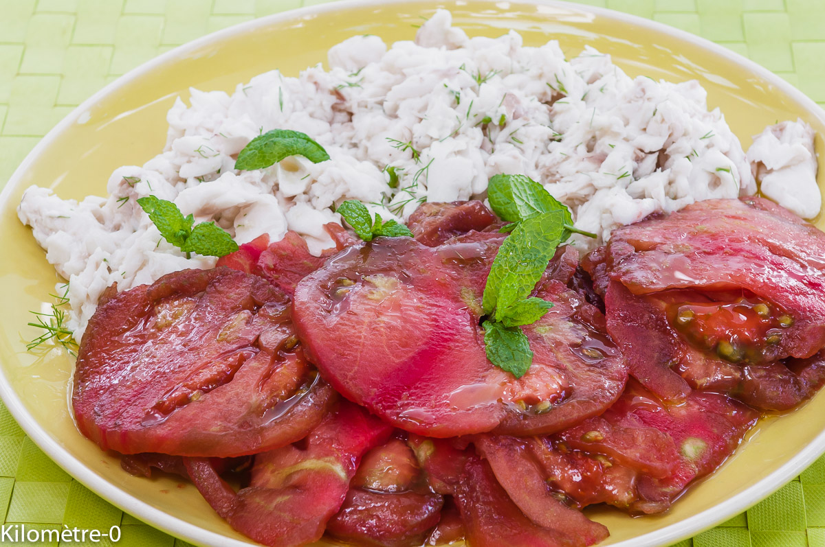 Photo de recette facile, léger, rapide de salade merlu aux tomates anciene Kilomètre-0, blog de cuisine réalisée à partir de produits locaux et issus de circuits courts