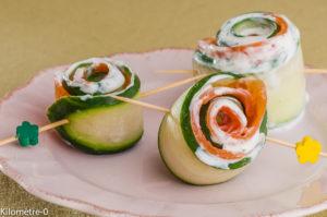 Photo de roulé concombre saumon fumé facile rapide léger de recette de Kilomètre-0, blog de cuisine réalisée à partir de produits locaux et issus de circuits courts