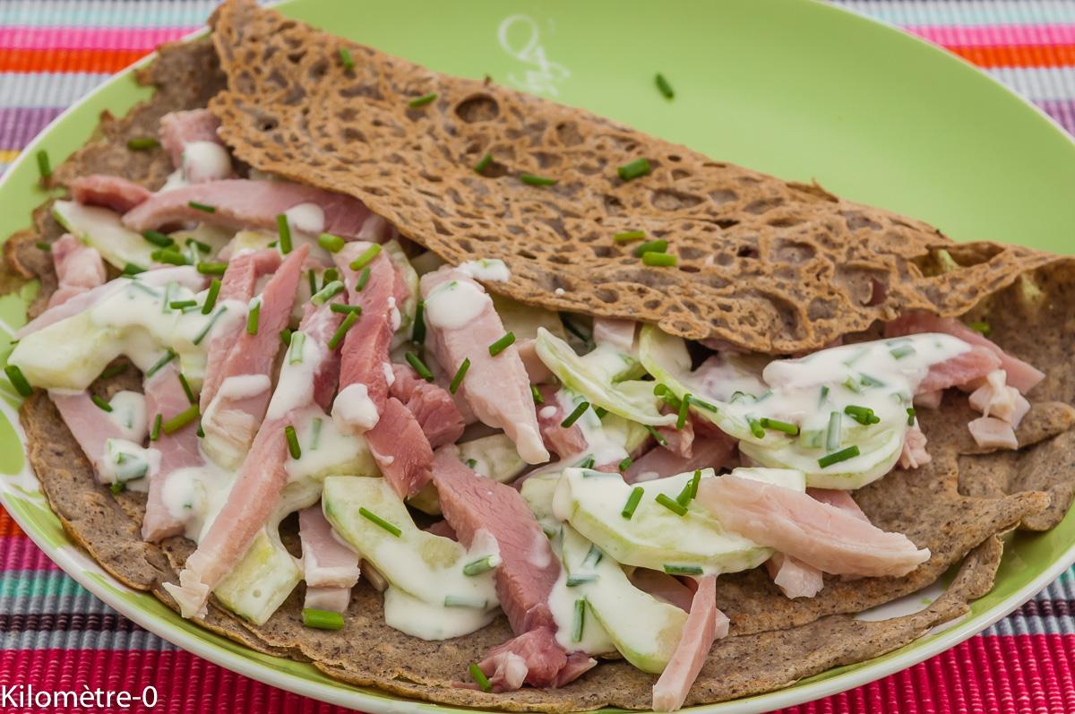 Photo de recette de galette bretonne au  concombre jambon, économique, facile de Kilomètre-0, blog de cuisine réalisée à partir de produits locaux et issus de circuits courts