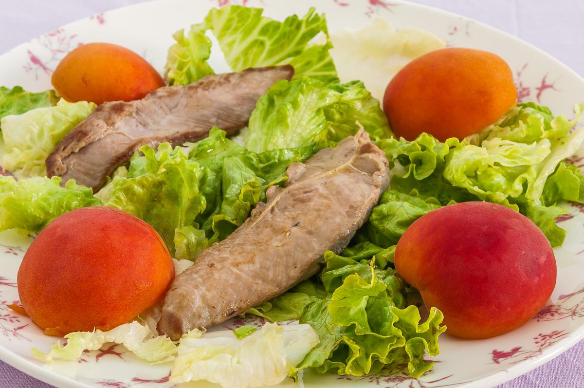 Photo de recette de filets de canard et abricots en salade de Kilomètre-0, blog de cuisine réalisée à partir de produits locaux et issus de circuits courts