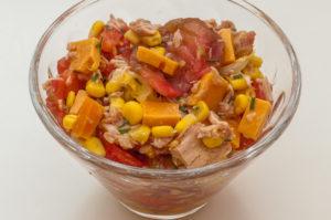 Photo de recette de salade thon mimolette, tomates, pomelo facile et rapide, légère de de Kilomètre-0, blog de cuisine réalisée à partir de produits locaux et issus de circuits courts