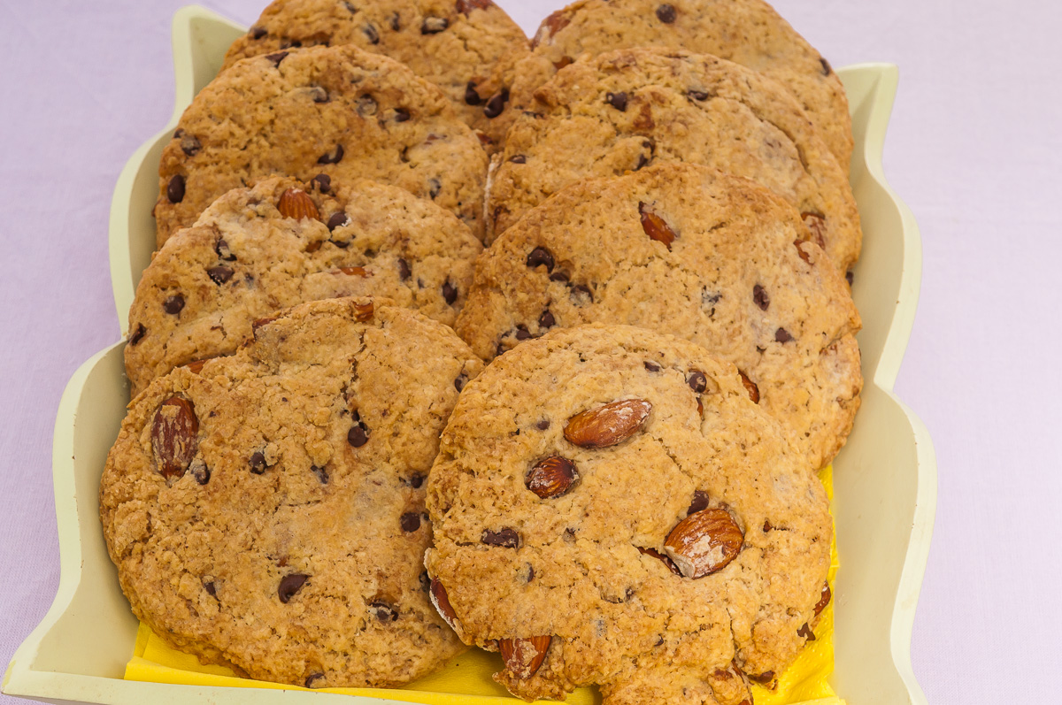 Photo de recette de cookies amandes pépites de chocolat facile, rapide et léger deKilomètre-0, blog de cuisine réalisée à partir de produits locaux et issus de circuits courts