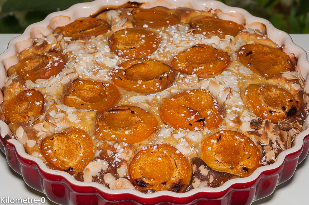 Photo de recette de gâteau d'abricots aux amandes de Kilomètre-0, blog de cuisine réalisée à partir de produits locaux et issus de circuits courts