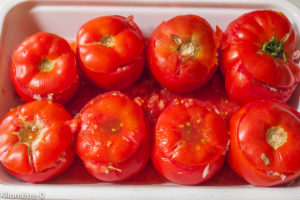 Photo de recette de tomates farcies de Kilomètre-0, blog de cuisine réalisée à partir de produits locaux et issus de circuits courts