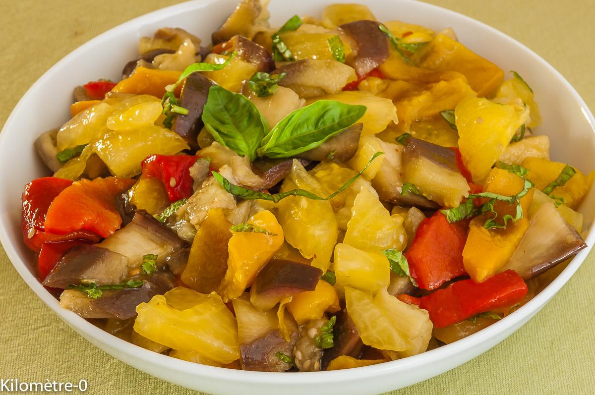 Photo de recette de salade composée aubergines tomates poivrons facile, légère, bio de Kilomètre-0, blog de cuisine réalisée à partir de produits locaux et issus de circuits courts