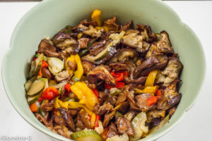 Photo de recette de légumes d'été rôtis au four facile, léger, bio, rapide de Kilomètre-0, blog de cuisine réalisée à partir de produits locaux et issus de circuits courts