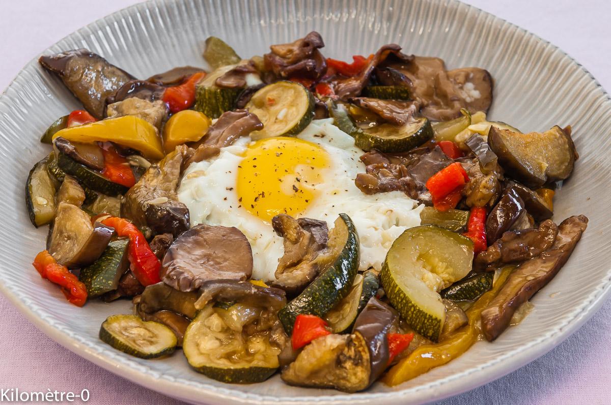 Photo de recette de oeuf et légumes grillés rotis de Kilomètre-0, blog de cuisine réalisée à partir de produits locaux et issus de circuits courts