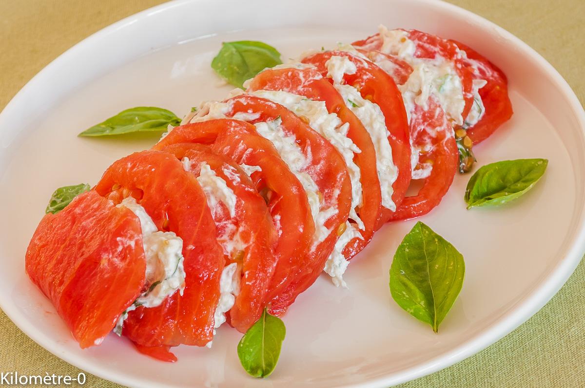 Photo de recette de salade de tomates ricotta concombre facile, rapide, léger de  Kilomètre-0, blog de cuisine réalisée à partir de produits locaux et issus de circuits courts