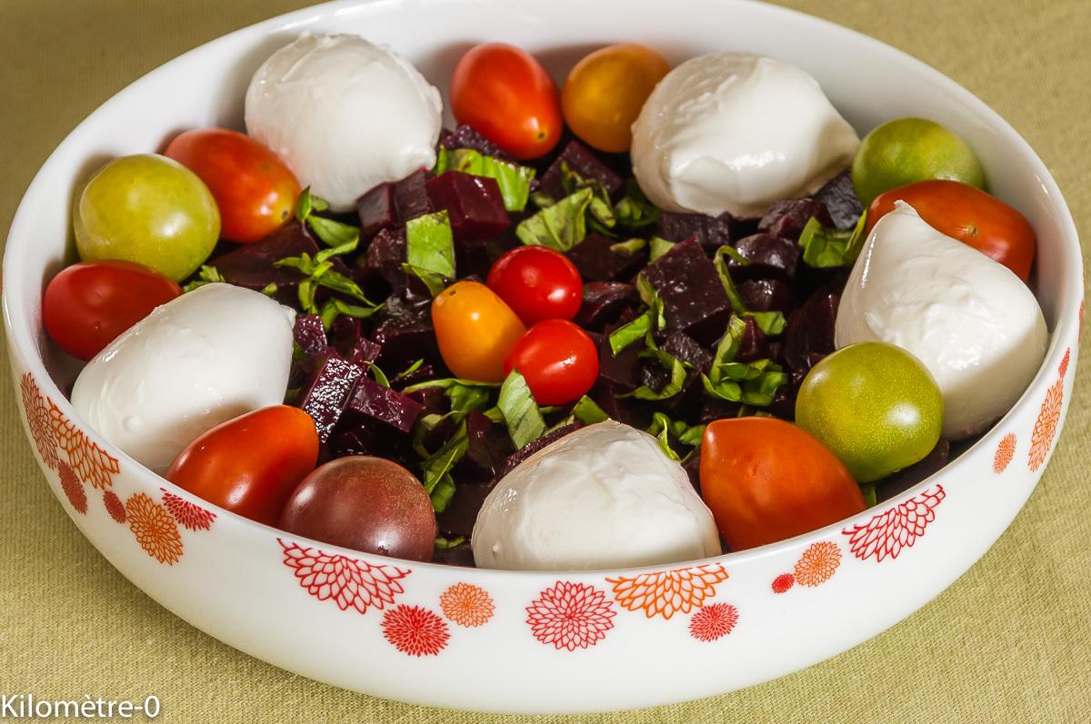 Photo de recette de salade betterave, facile, rapide, léger, mozzarella, tomates cerises, bio deKilomètre-0, blog de cuisine réalisée à partir de produits locaux et issus de circuits courts