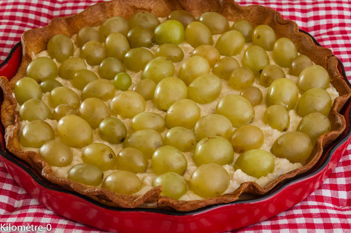 Photo de recette de tarte, raisins frais, raisin blanc, amande, mascarpone, facile, rapide, bio, léger de Kilomètre-0, blog de cuisine réalisée à partir de produits locaux et issus de circuits courts